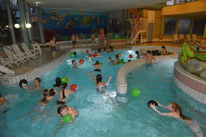 N.e.c. gezellige discoavond in zwembadde meerval